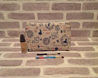 Alice in wonderland large makeup bag, Disney makeup bag, large make up bag, Alice in wonderland wash bag,large wash bag