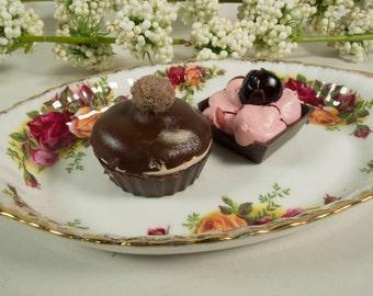 Royal Albert Old Country Roses, medium regal tray, bone china, porcelain, English porcelain, transferware, vintage