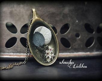 Antique bronze necklace with genuine hydrangea