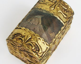 Lovely Vintage Florentine Gilt Gesso Wooden Box Italy