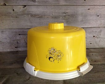 Vintage Yellow Lock & Lift Cake Carrier | Free Shipping