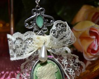 Green cameo necklace with pearl tear-lolita classic elegant rococo renaissance mori kei fashion