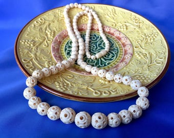 Vintage Faux Ivory Carved Beaded Necklace, Celluloid Beaded Necklace, Graduated Bead Necklace, Vintage Long Necklace