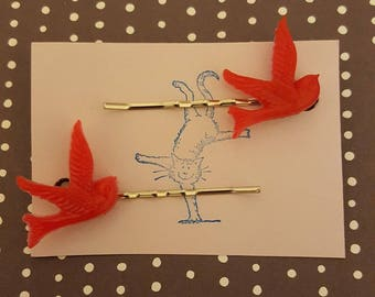 Handmade red bird bobby pins - set of two 23mm red bird bobby pin hairclips
