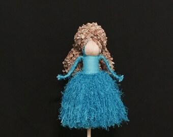 Yarn Doll (L) 1741