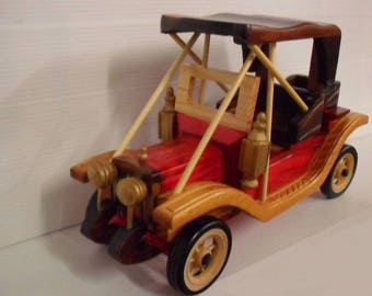 "Car old designed handmade wooden 26 cm of length 10 ""new"