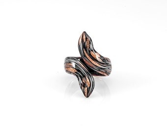 Black & White Goldstone Snake Ring
