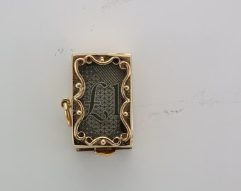 Vintage 9 carat gold One Pound box pendant charm