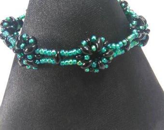 Beaded bracelet/floral/flower bracelet