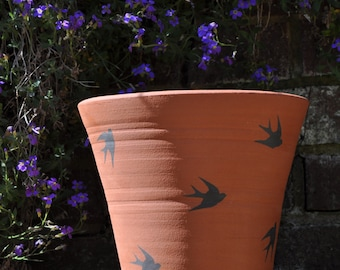 "9"" Vintage Style Terracotta Flower Pot - Swallows"