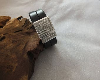 Gorgeous leather bracelet with Pave stones