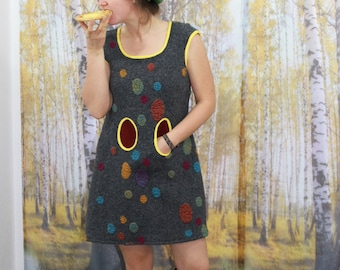 short wool dress, short dress, grey, colorful points, winter dress