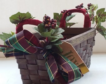 "Medium Wine Gift Basket ""LA DOLCE VITA"" - Custom Order"