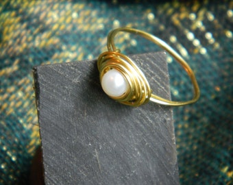 Handmade Birds Nest Wire Ring with Freshwater Pearl