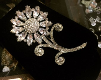 Spectacular flower power brooch of the 1930s