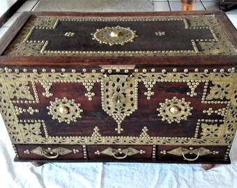 African wooden chest (kasha) from Zanzibar