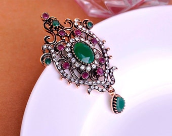Antique Gold Plated Emerald Brooch