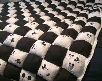 Mickey mouse queen size bubble quilt,black and white