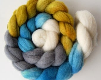 Hand dyed POLWARTH roving spinning felting fibre, 100g/3.5oz