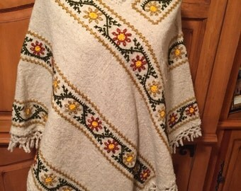 Mexican Embroidery Wool Crochet Ladies Womens Poncho Medium Large XLarge BoHo Gypsy