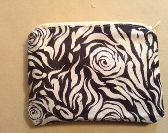 Coin purse - Black & White floral