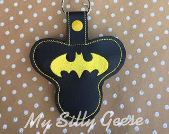 DIGITAL FILE 4x4 5x7 Fidget Spinner Case holder Batman inspired bat hero design key fob snap tab keychain embroidery design