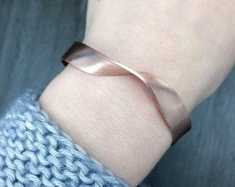 Minimalist copper Bangle