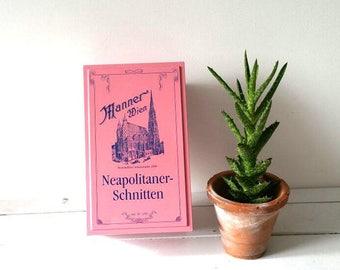 Vintage tin 'Manner Wien Neapolitaner-Schnitten'