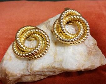 French Bluette Gold Swirl Shoe Clips