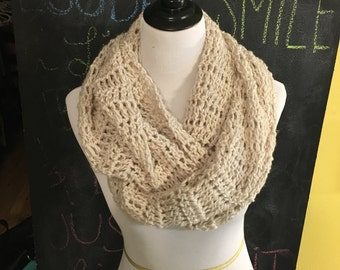 Infinity scarf, Crochet scarf, gift for her, winter accessories, chunky scarf, scarf