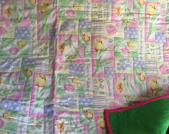 Beautiful baby or toddler girl quilt. 40x40