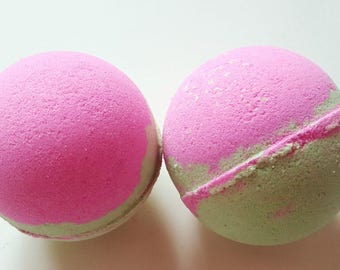 Apple and lavender bath bomb, 4oz, bath fizz, sensual bath bomb, fruit bath bomb, lavender bath bomb, gift for her, party favor