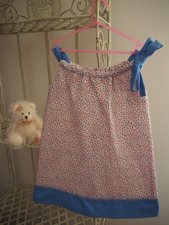 Lovely Fine Pink and Blue Flowered Dress with Blue contrast. Size 6