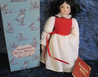 RUSS Berrie & Co. Fairytale Dolls - Snow White Style No. 1701 - Orig. Box