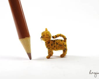 Tiny crochet cat, miniature Ocicat crochet, amigurumi tiny cat