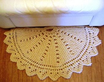 Knitted woolen rug