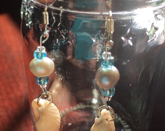 Sea Shell & Pearl Earings