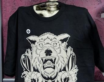 Wolf & Lantern Tattoo Design T-shirt