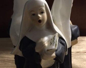 Nuns singing music box