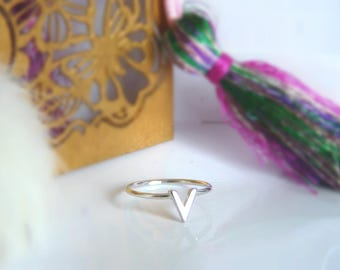 V ring in sterling silver and gold plated sterling silver