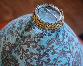 Round lamp, Oriental style.