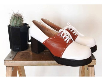 Sandler of Boston RARE 1960's / 1970's RETRO chunky heel platform lace up oxford shoes  6.5M UNWORN White brown lace up Made in Italy