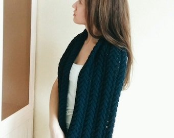 Knitted İnfinity Scarf
