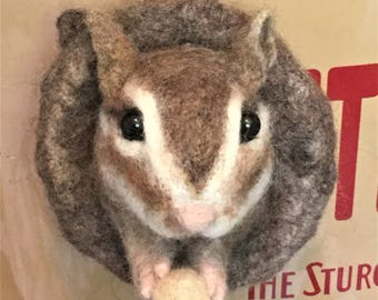 Needle Felted Squirrel,Felted Squirrel magnet,Handmade