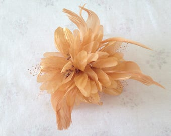 Gold Feather Fascinator, decorative Comb , wedding fascinator, formal headband, ladies day hair accessory, races fascinator