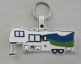 Fifth Wheel Camper Glamper Key Chain