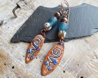 Primitive and tribal earrings, enamelled copper, recycled glass, pearls Ethiopian, craft creation African beads.