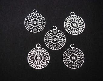 Filigree Stamping, Stainless Steel Pendants, Round Silver Tone Rhombus Hollow Carved, Delicate, Very thin Set of 5 (2.2cm x 1.8cm)