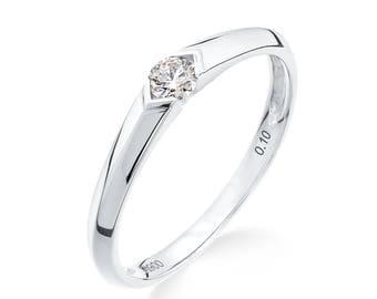 Gorgeous 0.10 ct platinum engagement or wedding ring