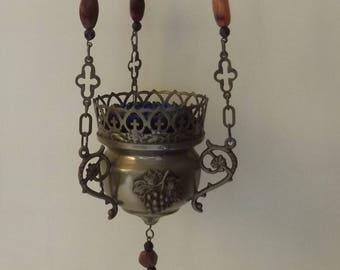 Beautiful metal sanctuary lamp